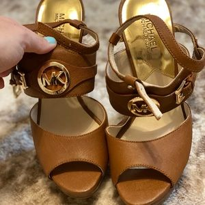 🌟MK CARAMEL high heels like new!! 🌟